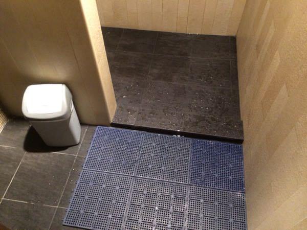 チャンギ国際空港のシャワー室
