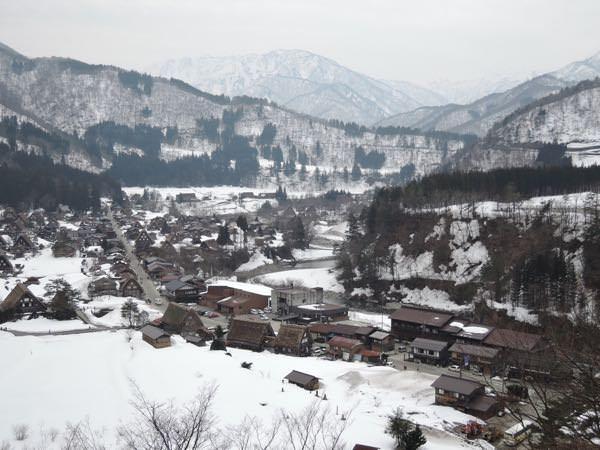 城山展望台からの白川郷の眺め