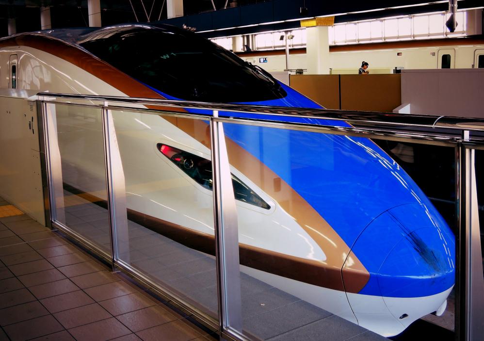 金沢駅に到着した北陸新幹線