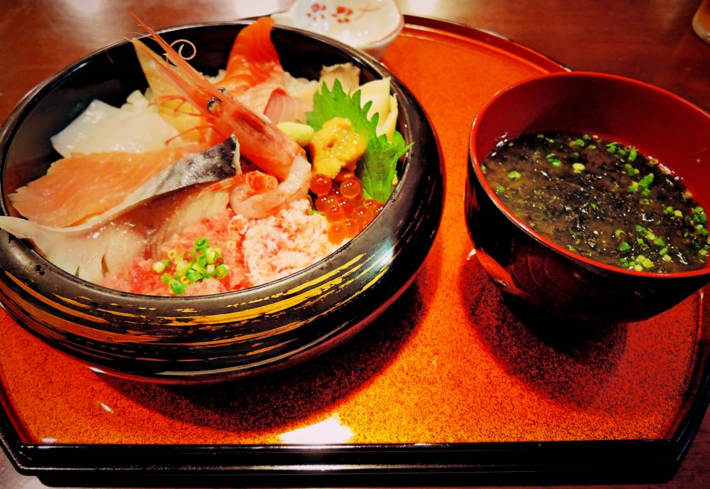 金沢近江町食堂の海鮮丼