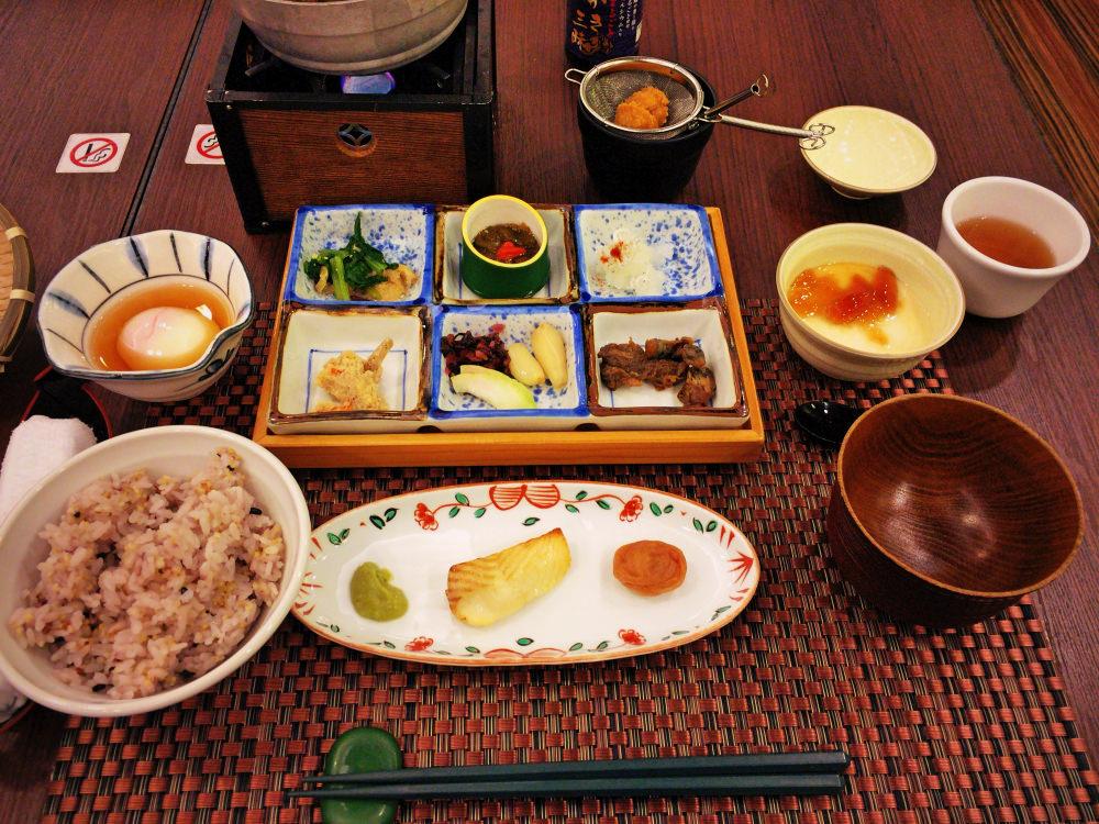 錦水別荘の朝食