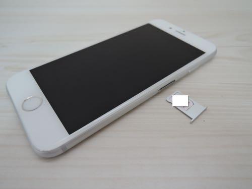 SIMフリーiPhone 6sのシルバー64GB